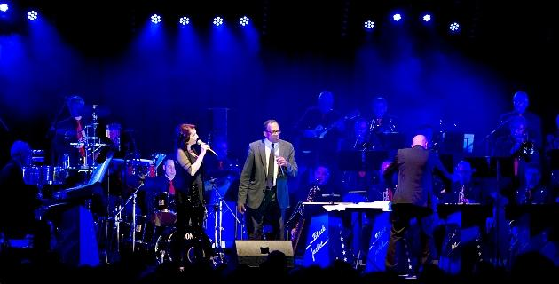 Ein Konzert mit der `Black Jackets Swing Big Band`.
