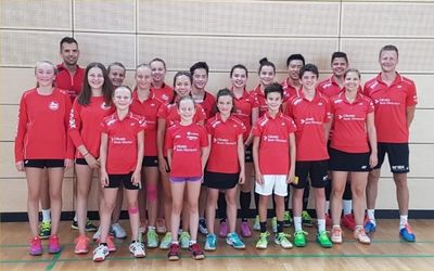 Die Uzwiler Badmintonjunioren im Trainingscamp in Saarbrücken.